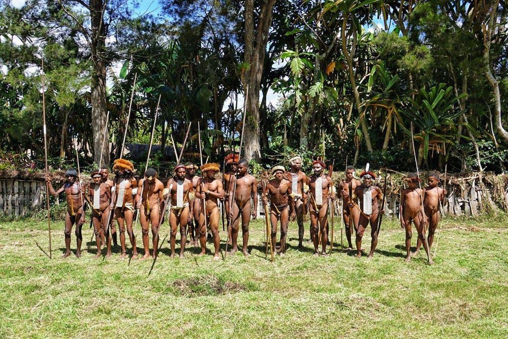 مردان-قبیله-آدمخوارها