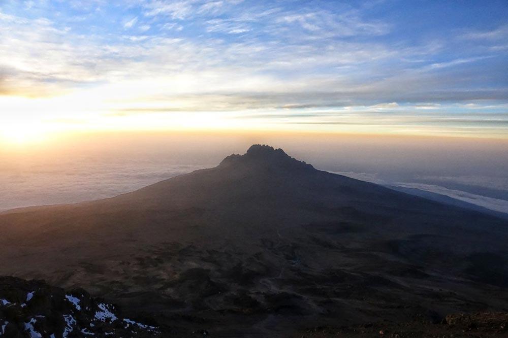 طلوع بر فراز قله کلیمانجارو