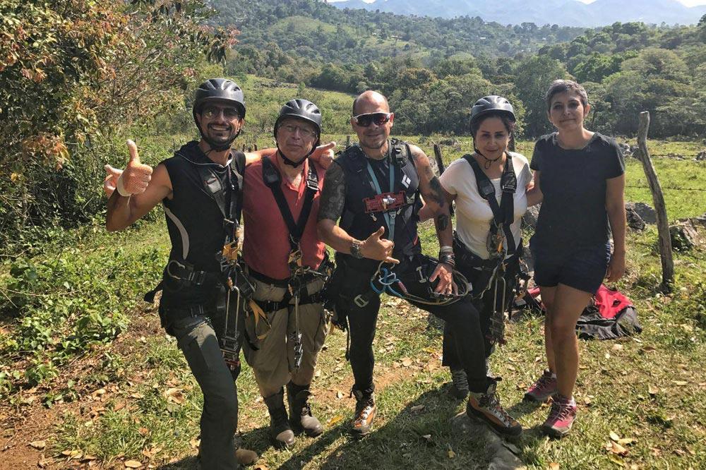 فرود به غارهای مکزیک