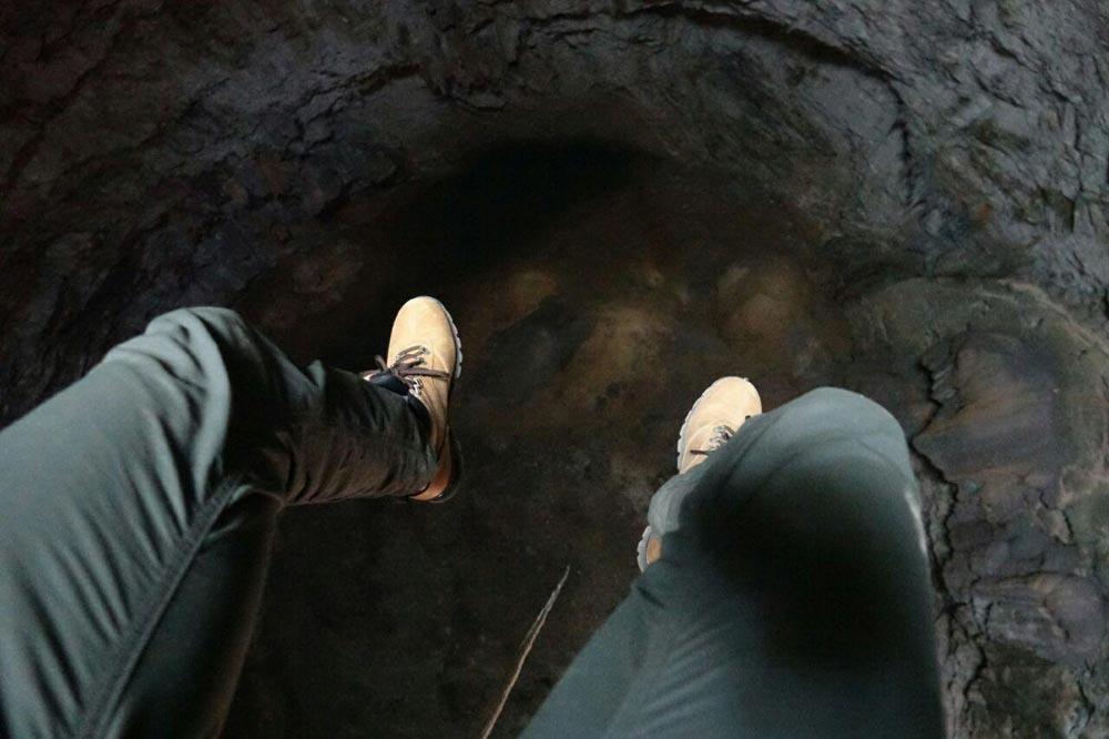 فرود در غار عمودی