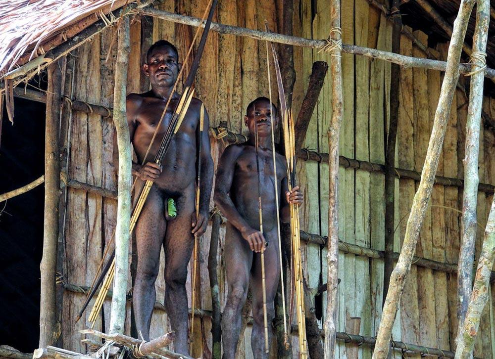 جوانان قبیله آدمخواران