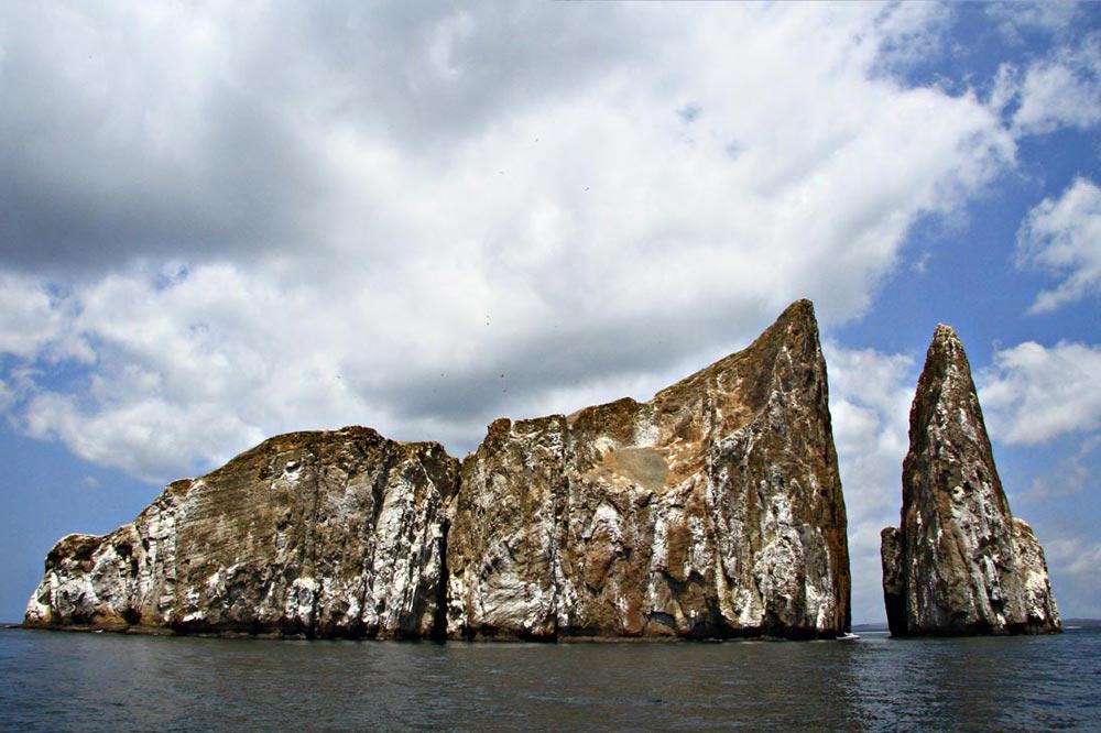 صخره شیر خوابیده - سفرنامه گالاپاگوس