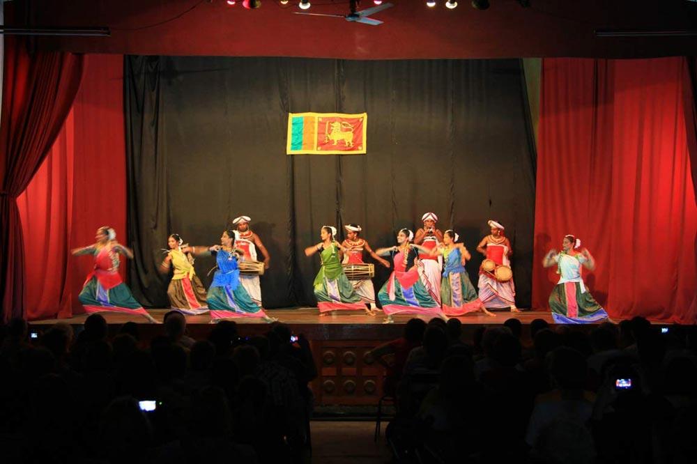 نمایش رقص های سنتی سریلانکا