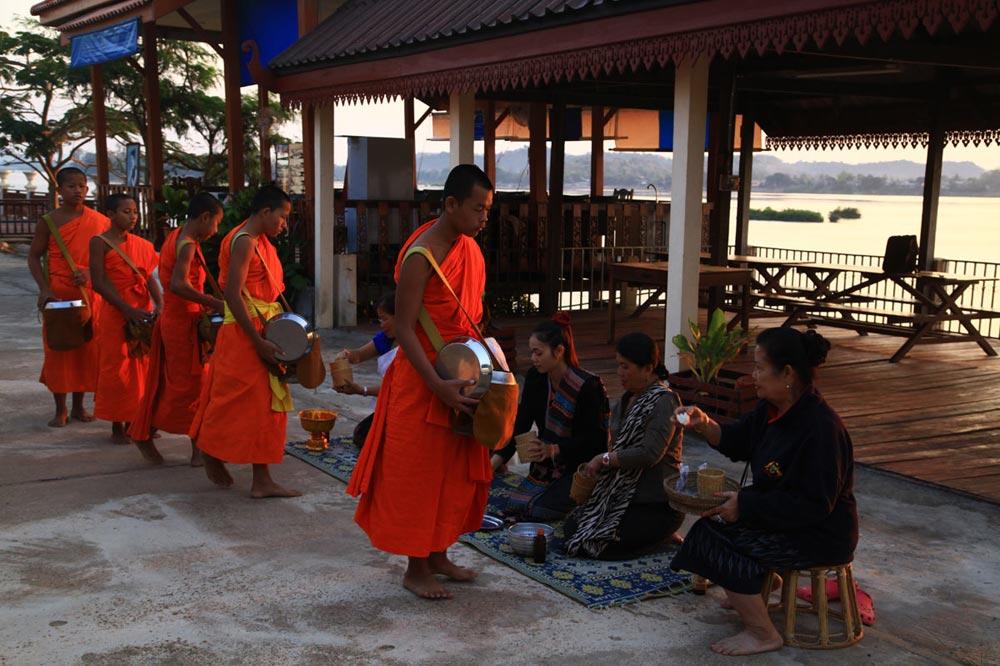 راهبان بودایی لائوس