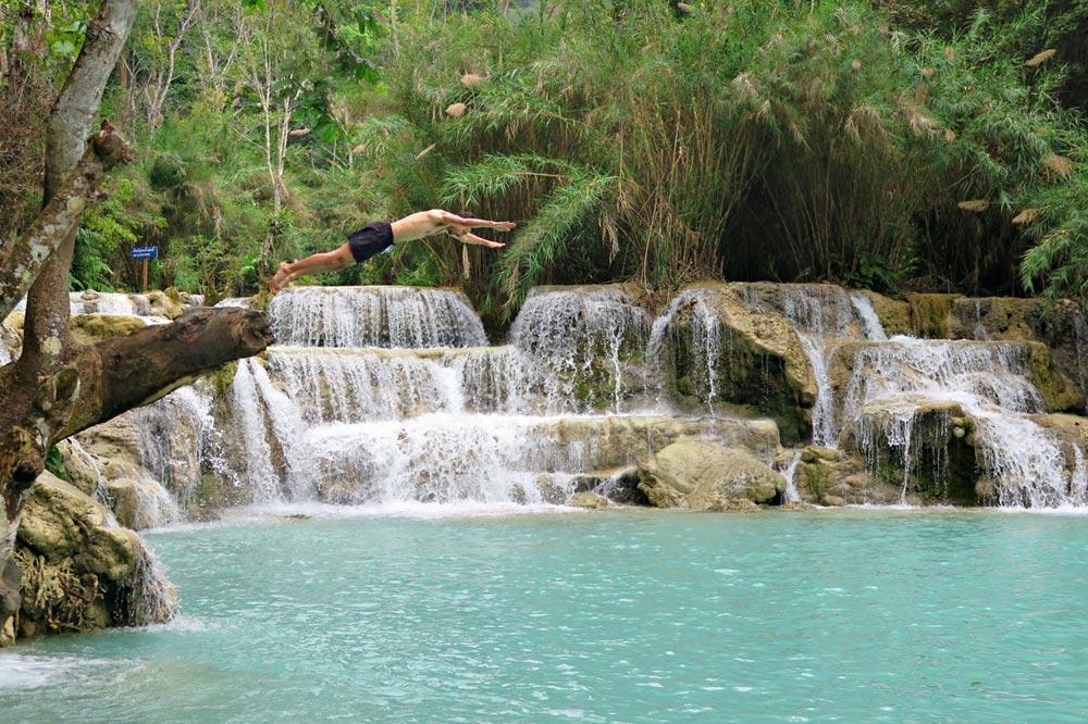 آبشار خوانگ سی در لائوس