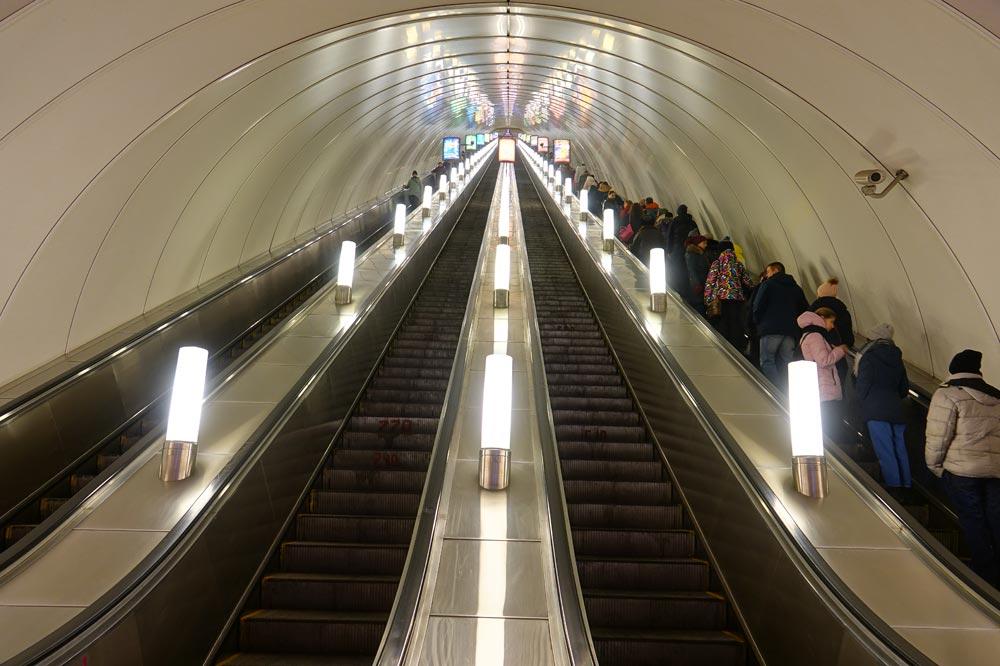 مترو مسکو - سفرنامه روسیه - سفرنامه مسکو